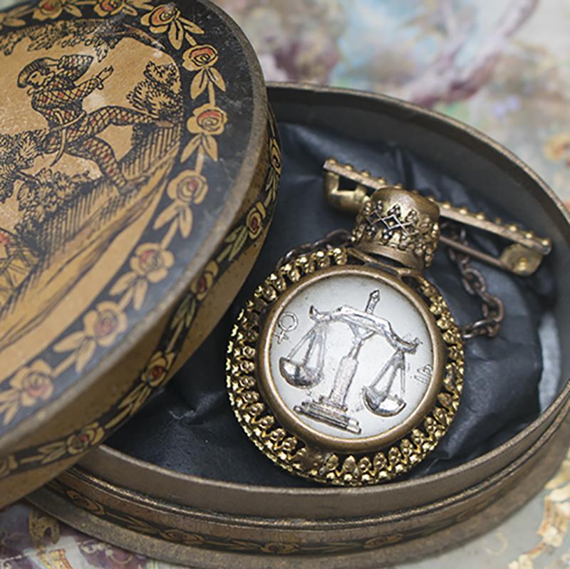 Antique French Poupee Flacon