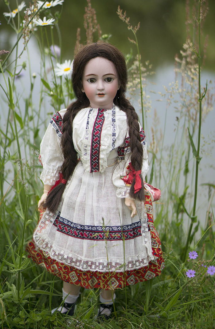 Очень редкая модель Кукла-Леди фирмы  Simon&Halbig в украинском (?) костюме, высота  58 cм