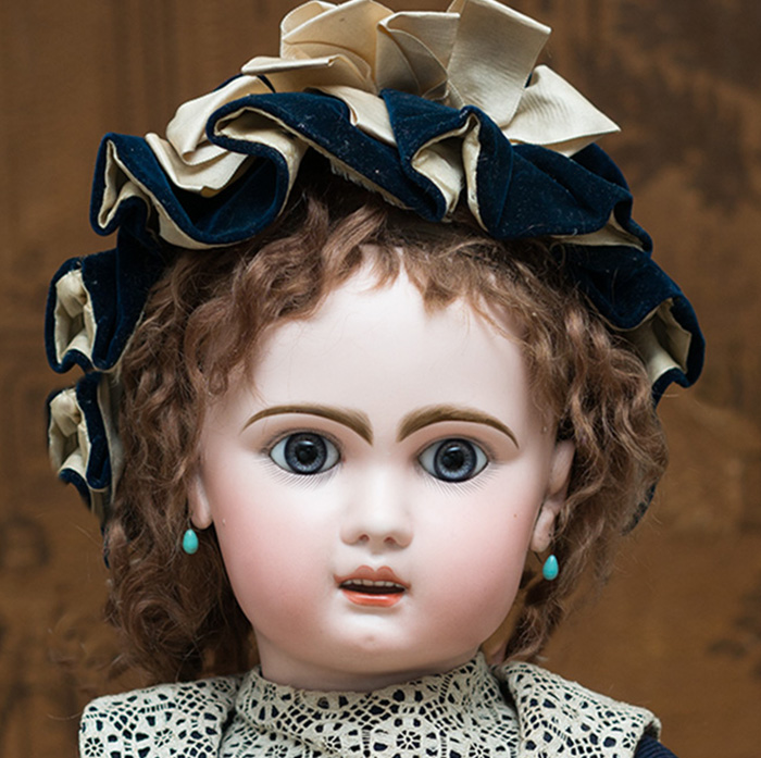 BEBE MODERNE, Grand JUMEAU Doll