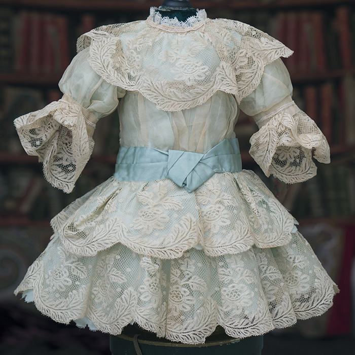 Antique silk&Lace dress for doll 22-23