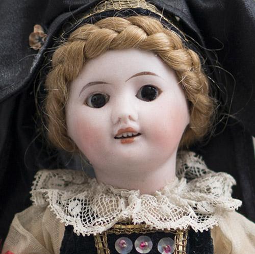 Куколка SFBJ в оригинальном костюме 21см