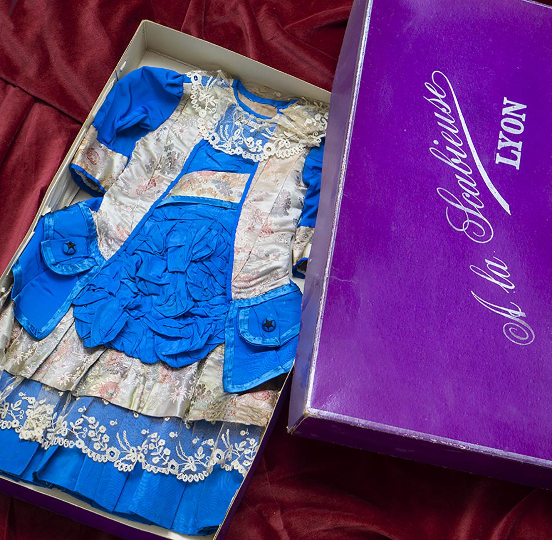 Silk dress for large Bru Bebe