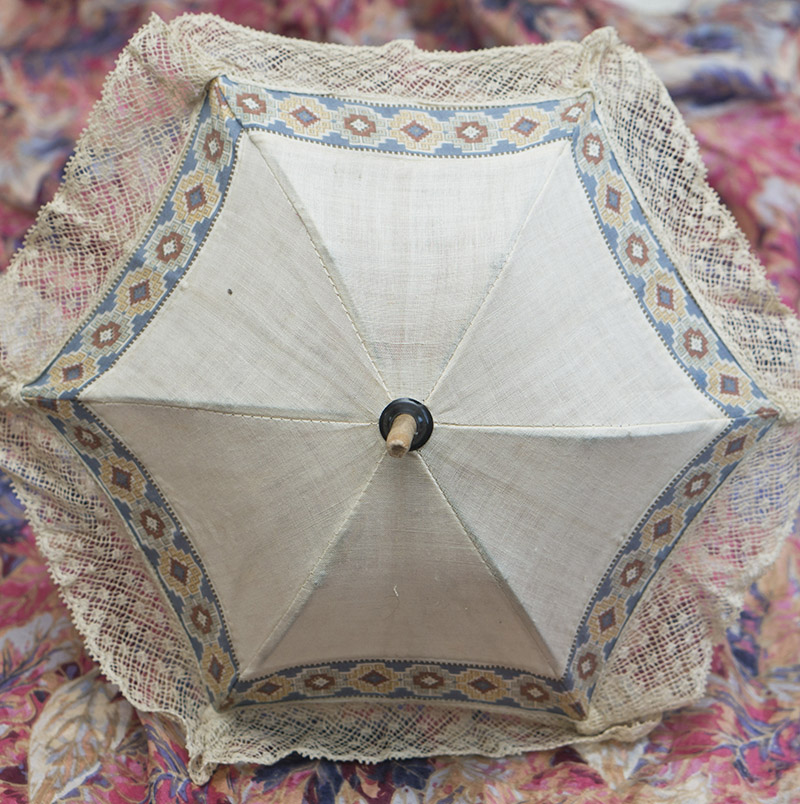 Старинный зонтик для куклы