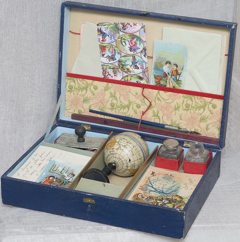 Фрвнцузский Старинный Детский/кукольный письменный набор