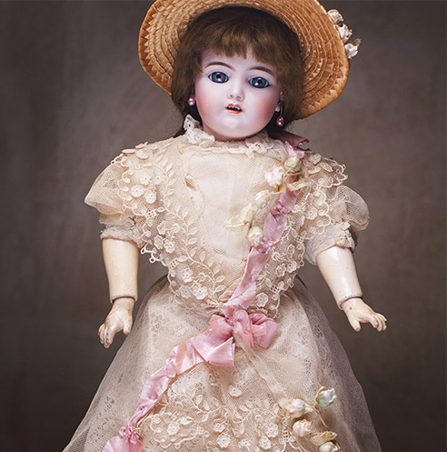 NR Antique Handwerck 109 doll