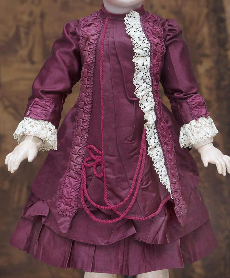 Костюм из старинного шелка для куклы 63-66 см высотой